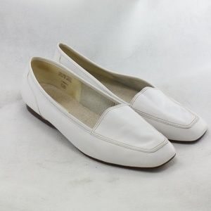 ENZO ANGIOLINI Liberty White Leather Loafers Sz 9